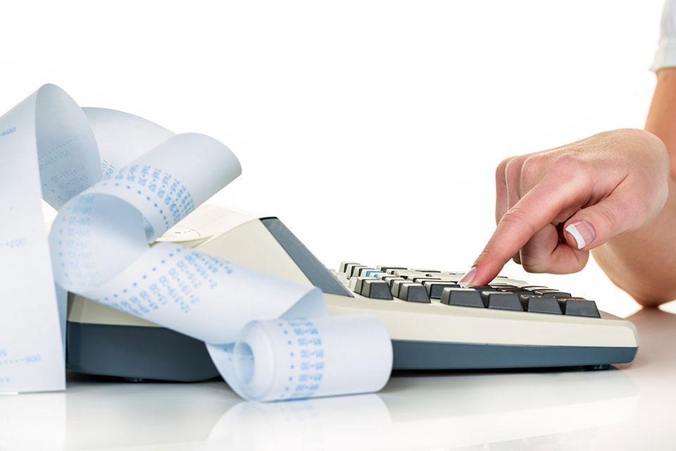 Wie sind Bezüge von Gesellschaftern-Geschäftsführern steuer- und sozialversicherungsrechtlich einzuordnen?