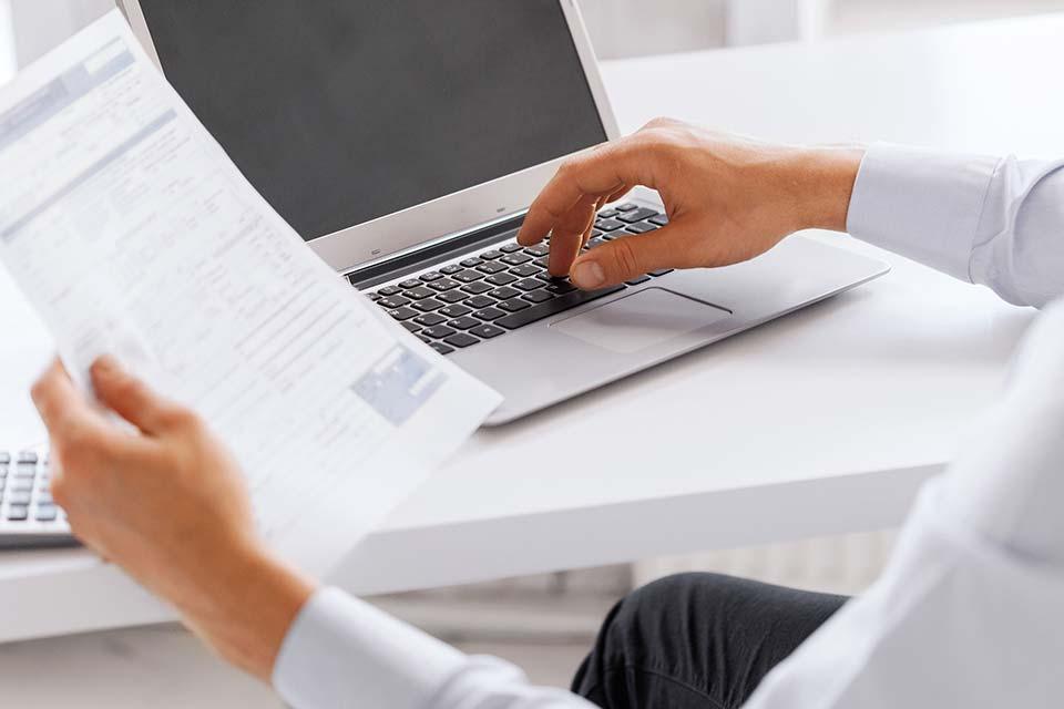 Arbeitnehmertipp: Investitionen in Arbeitsmittel bis Jahresende prüfen